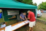 Der Einlass zum 9. Sächsisches Sommernachtstelskoptreffen 2014 steht